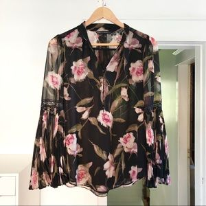 White House black market floral bell sleeved top